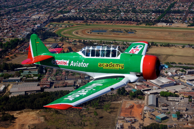 88-11622 ZU-BET 7695 Castrol Aviator Academy Brushware 2nd colour scheme Steve Allison 1